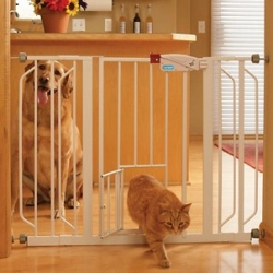 Carlson Extra Wide Walk Thru Gate with Pet Door Image
