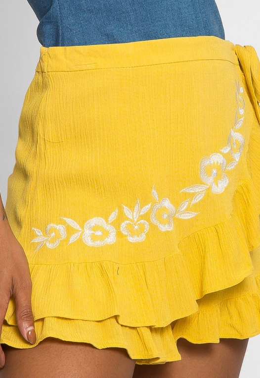 Floral Embroidered Shorts in Yellow alternate img #6