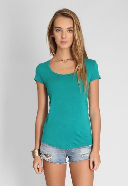 Basic t-shirt in green alternate img #1