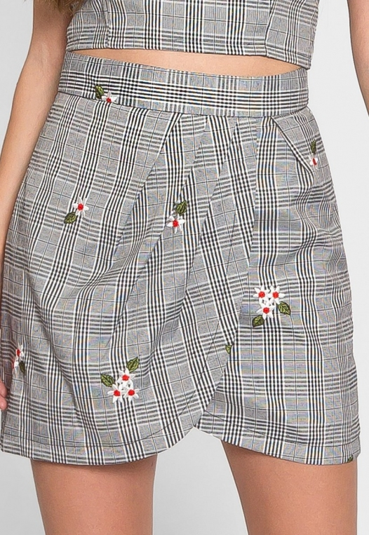 I See You Plaid Floral Tulip Skirt alternate img #4
