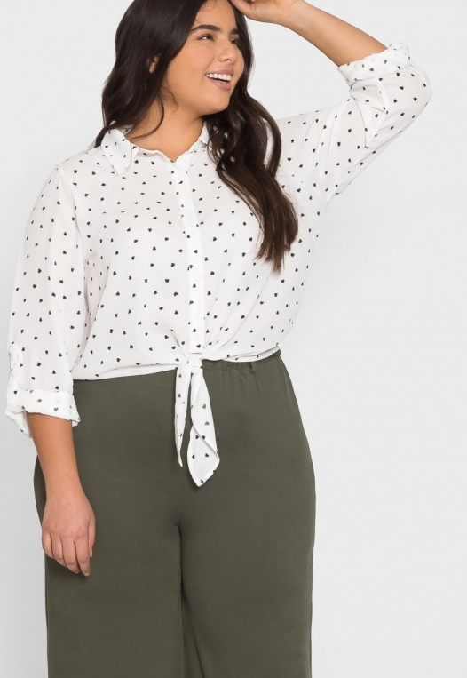 Plus Size Hearts Button Up Shirt in White alternate img #5