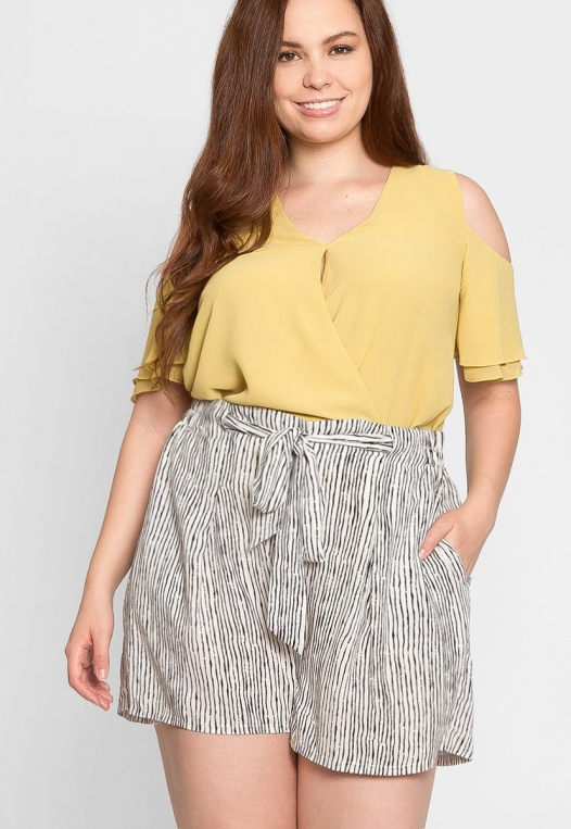 Plus Size High Waist Stripe Shorts alternate img #1