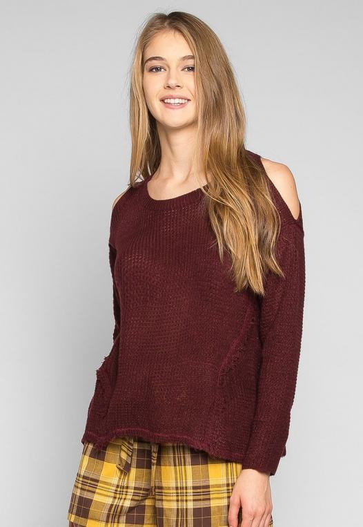 Girls Like You Pullover Sweater in Burgundy alternate img #3