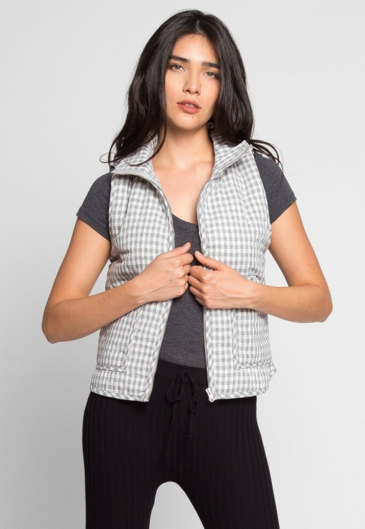 Hill Front Plaid Quilted Vest in Gray alternate img #4