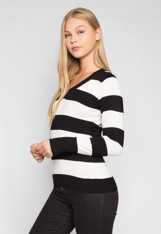 Be My Soulmate V-Neck Stripe Fitted Cardigan in Black alternate img #3