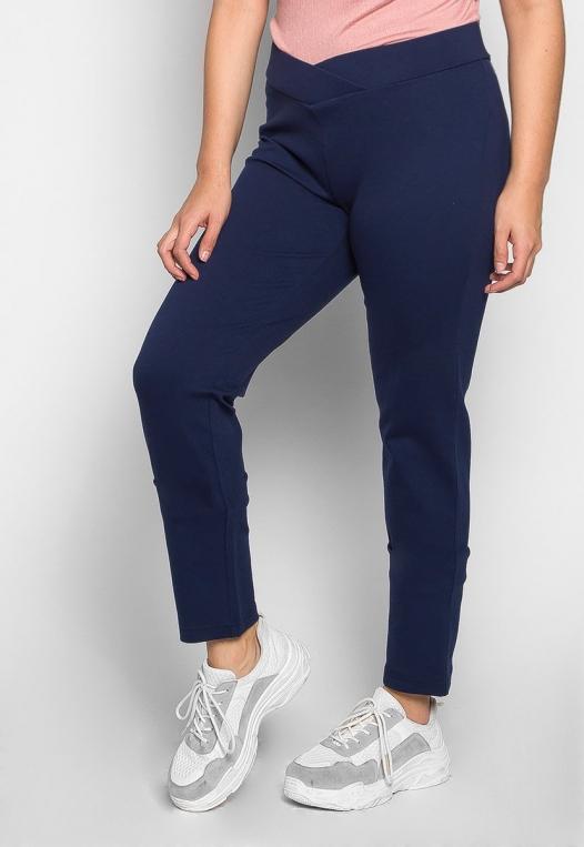 Plus Size Macaroon V-Waist Leggings in Navy alternate img #1