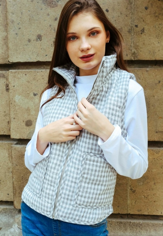 Hill Front Plaid Quilted Vest in Gray alternate img #1