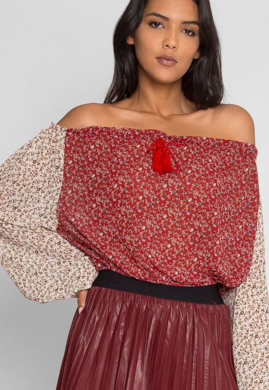 Pembrooke Floral Top in Red alternate img #5