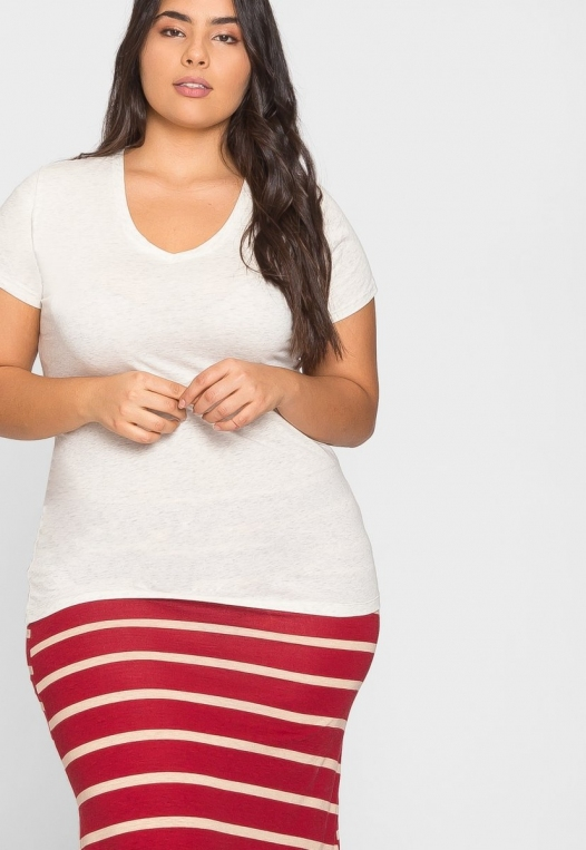 Plus Size Ivy V-Neck Tee in Oatmeal alternate img #5