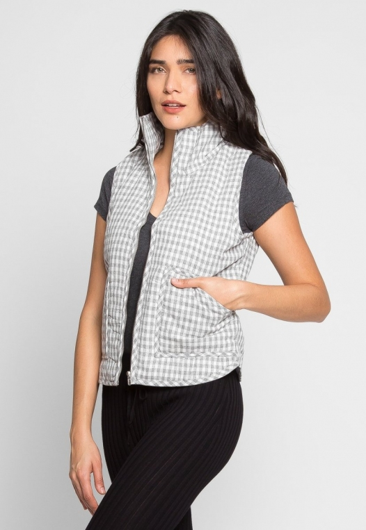 Hill Front Plaid Quilted Vest in Gray alternate img #5
