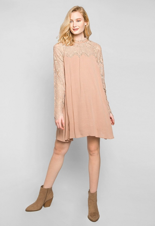 Burning For Love Lace Yoke Dress in Blush alternate img #4