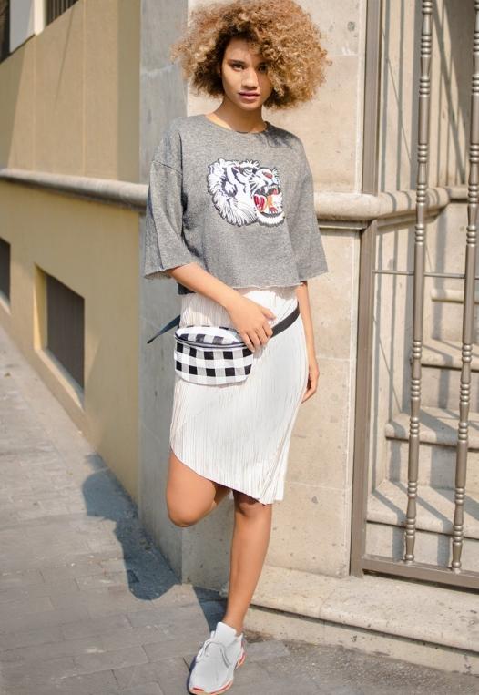 Metallic Pleated Tulip Skirt in Beige alternate img #7
