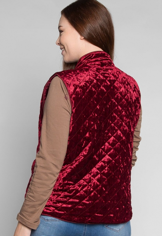 Plus Size Mountain Call Quilted Vest in Burgundy alternate img #3