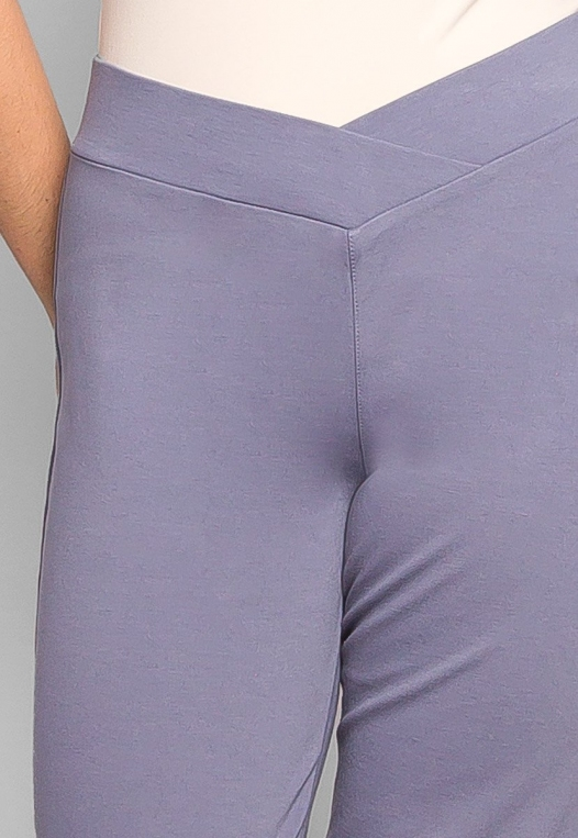 Plus Size Macaroon V-Waist Leggings in Gray alternate img #6