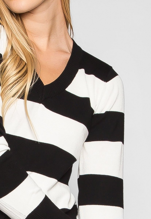 Be My Soulmate V-Neck Stripe Fitted Cardigan in Black alternate img #6