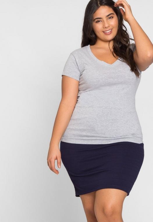 Plus Size Cora V-Neck Tee in Gray alternate img #5