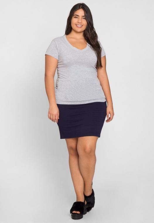 Plus Size Cora V-Neck Tee in Gray alternate img #4