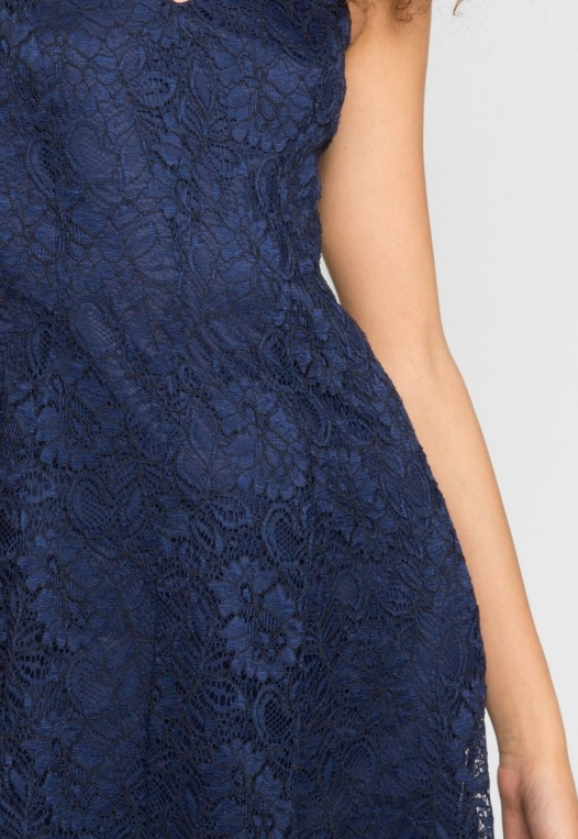Manhattan Lace Maxi Dress in Navy alternate img #6