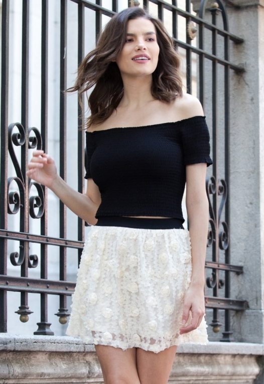 Clover Textured Mini Skirt alternate img #1