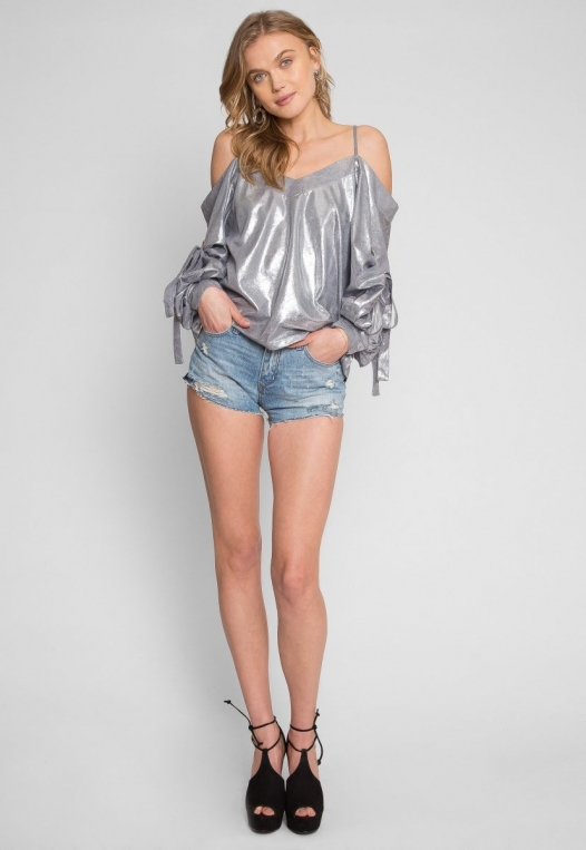No One Knows Metallic Exaggerated Sleeve Top alternate img #4