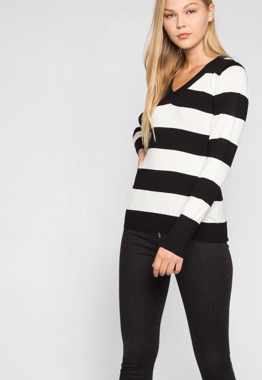 Be My Soulmate V-Neck Stripe Fitted Cardigan in Black alternate img #5